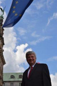 Dr. Sven Tode (SPD) ist Mitglied des Europa-Ausschusses der Hamburgischen Bürgerschaft und Wahlkreisabgeordneter für Barmbek, Uhlenhorst, Hohenfelde und Dulsberg: